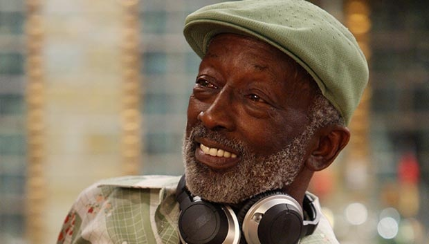 Garrett Morris as Earl ~ Two Broke Girls...he is hilarious!!!
