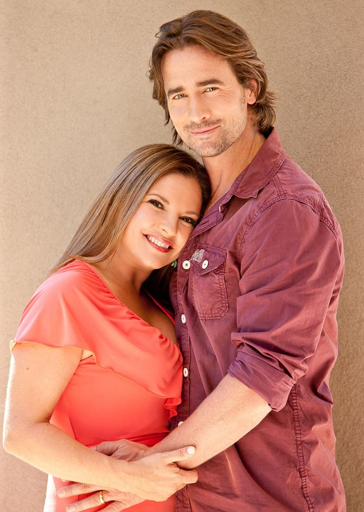 Terese and Brad Willis played by Rebekah Elmaloglou and Kip Gamblin. #neighbours #thecast #willisfamily