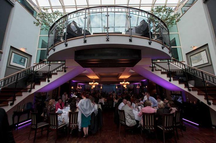 Mili Goście! Nawet nie przypuszczaliśmy, że nasz Bal Andrzejkowy wzbudzi tak duże zainteresowanie...To nas naprawdę cieszy natomiast w związku z dużą ilością napływających zapytań uprzejmie informujemy, iż w dniu dzisiejszym zamykamy listę rezerwacji. Zachęcamy do rozważenia propozycji spędzenia z nami Sylwestra :) Maranello Hotel & Restaurants :) http://www.maranello.pl/