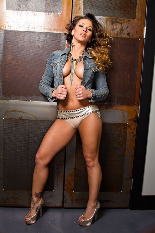 Mickie James - The TNA Wrestling Knockouts - Dare To Be Extraordinary