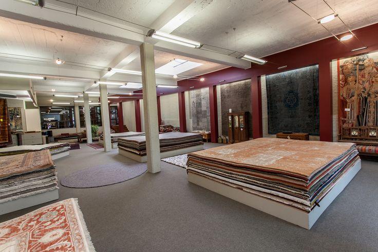 Wanneer men gewonnen is voor klassieke oosterse motieven en prints, dan heeft Tapiroe ook daarvoor een uitgebreid aanbod aan tapijten klaar liggen.