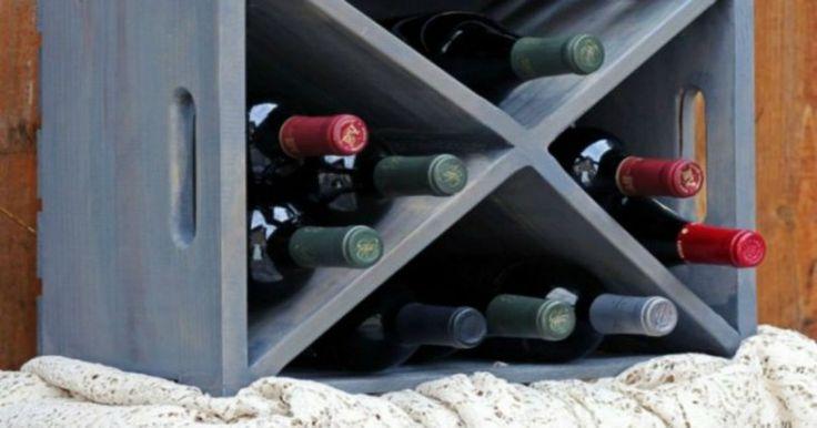 DIY: Πώς να Μετατρέψετε ένα Απλό Ξύλινο Κιβώτιο σε ένα Μίνι Wine Bar