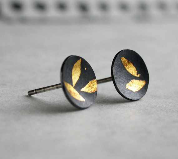 SALE   Leaf Pattern 24k Kum Boo Earrings by quicksprout on Etsy, $42.00