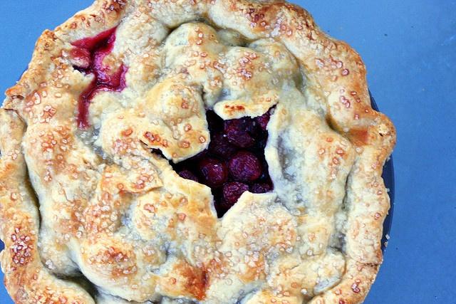 sweet cherry pie via smitten kitchen.. YUM