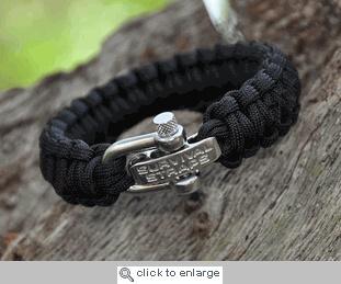 Survival Straps Paracord Survival Bracelet  Thot this was a cool gift idea....