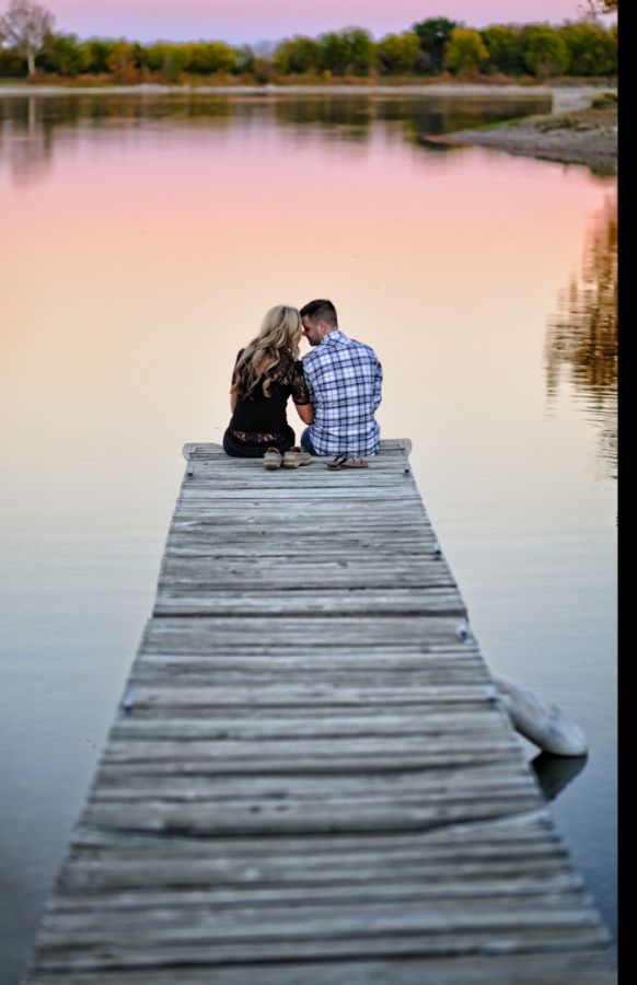 I always wanted to get married on a pier, but that's not going to happen, so engagement pictures on a pier will have to do.