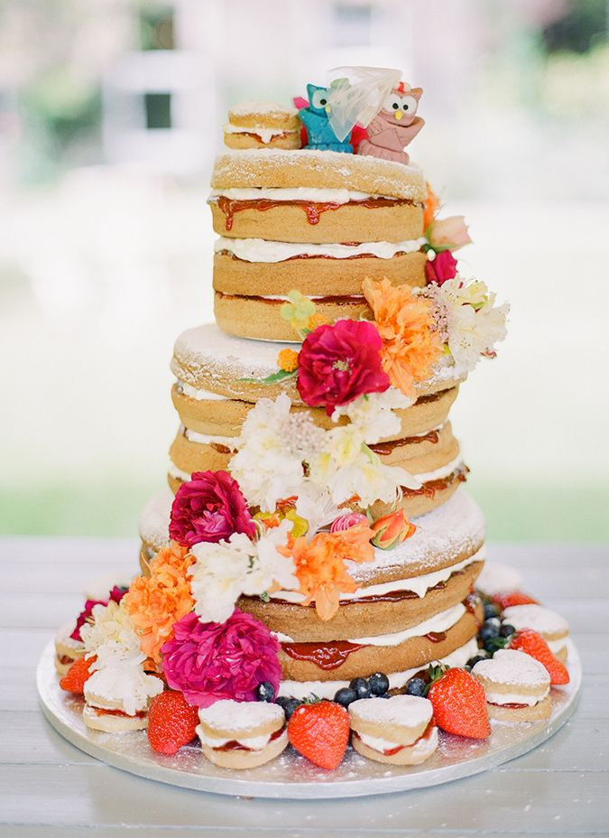 wedding cake sponge flavours sponge wedding cake photo by brosnan 25294