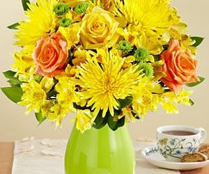 Bright, #beautiful and bursting with sunshine, this is the perfect #bouquet for someone who brightens your life.