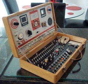 Gakken 150-IN-1 IC Electronic Projects Kit (1960s).