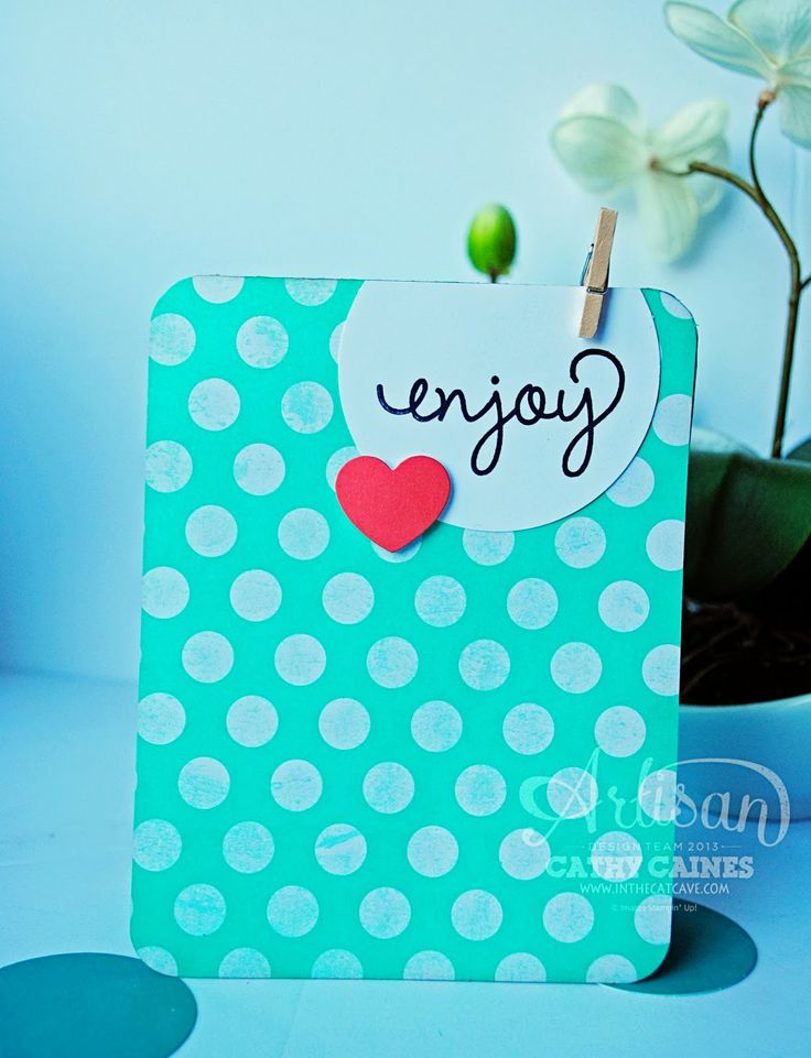 We love this super simple card.: Inspiration Cardsscrappin, Cards Ideas, Cards Pap Crafts, Simple Cards, Circles Heart, Crafty Cards, Greeting Cards, Cards Inspiration, Cat Caves