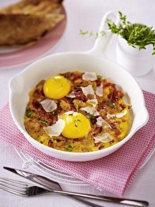 Das Rezept für Omeletts mit gerösteter Paprika und Thunfisch  und weitere kostenlose Rezepte auf LECKER.de