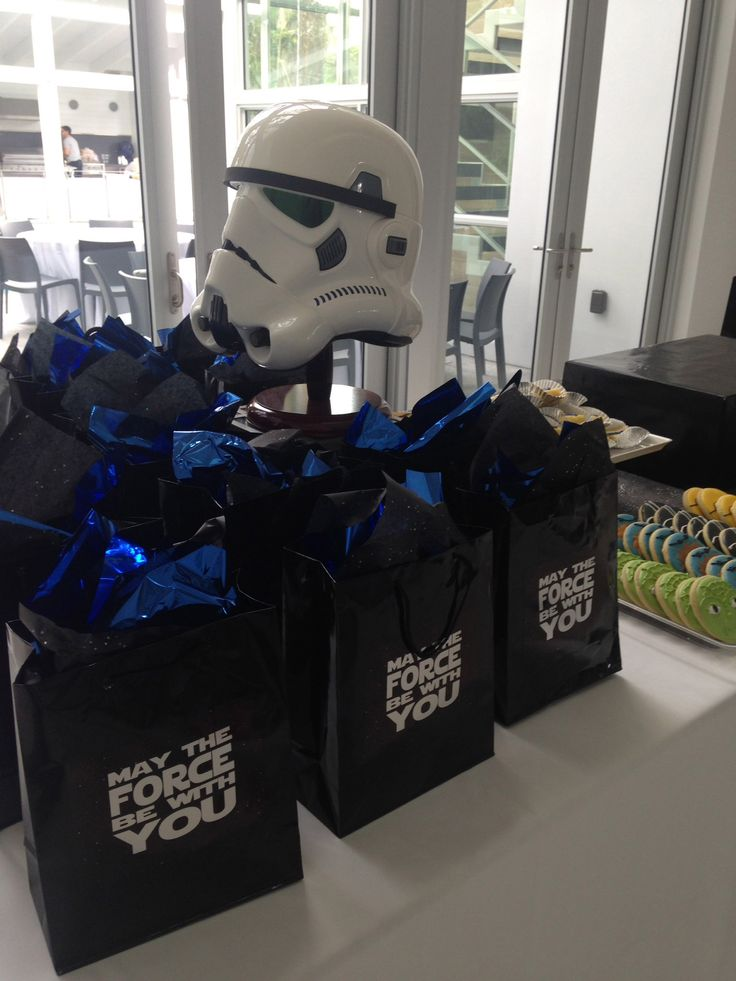 Star Wars party; Favor bags