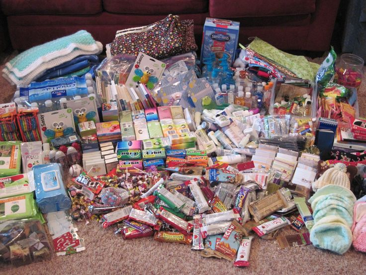 NICU Care packages, preemies, How to Help a NICU family...how to get started with care packages #preemie #carepackage