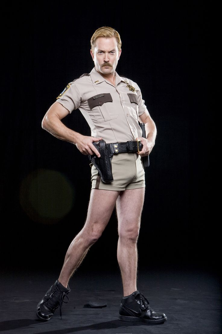 Lt. Dangle (Thomas Lennon, who also plays Felix Unger on The new Odd Couple.)