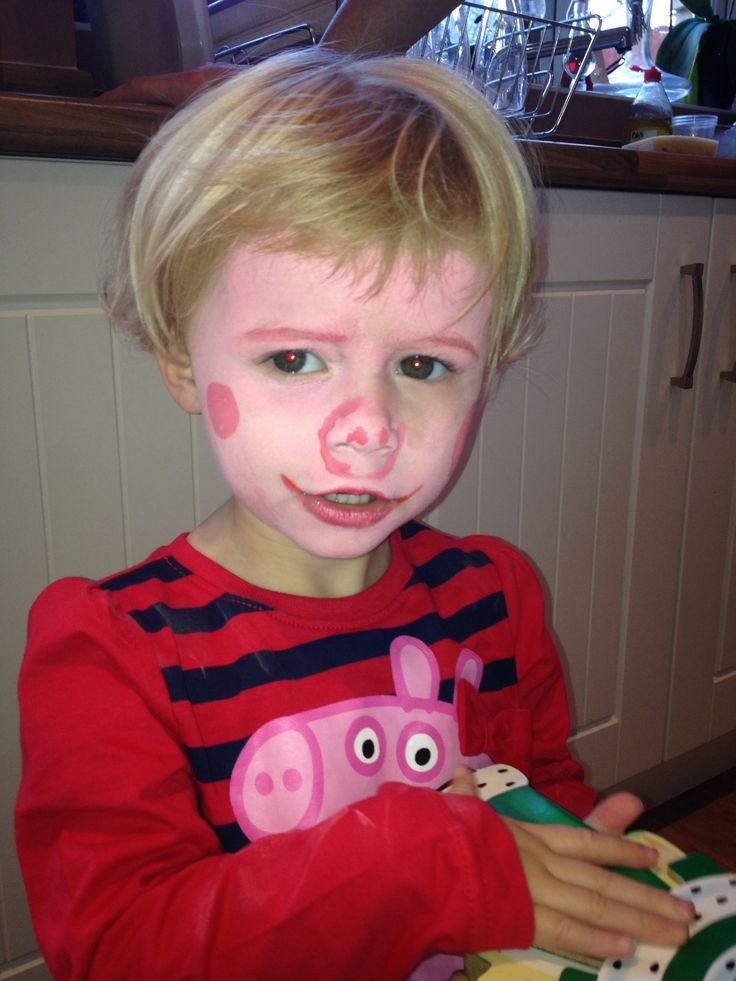 Peppa pig face painting