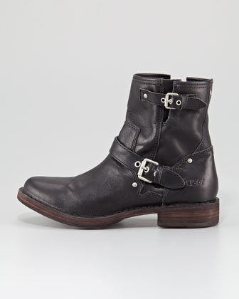 UGG Australia  Fabrizia Leather Motorcycle Boot: Lately I've been really wanting a good pair of short black boots.