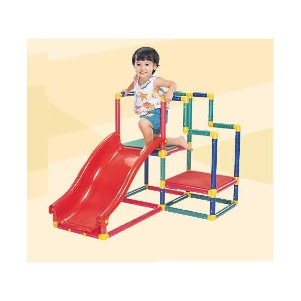 """Con il set multiuso """"Mini palestra""""è possibile costruire una vera e propriapalestra con tanto di scivoli,ma anche tavoli di lavoro, panchine,scrivanie con sedie, mensole eaddirittura un lettino per i bambini!!Età 3"""