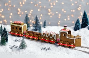 Gingerbread train with recipe and template from Tesco