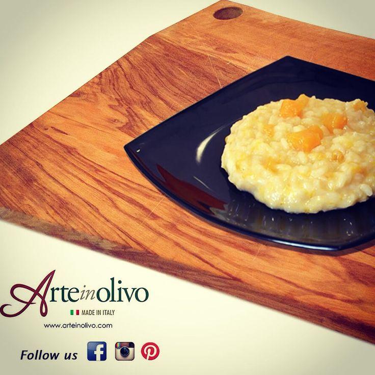 Risotto alla zucca  #olivewood #halloween #madeinitaly #riso #rice #zucca #risotto #arteinolivo #orange #pumpkin visit our website www.arteinolivo.com