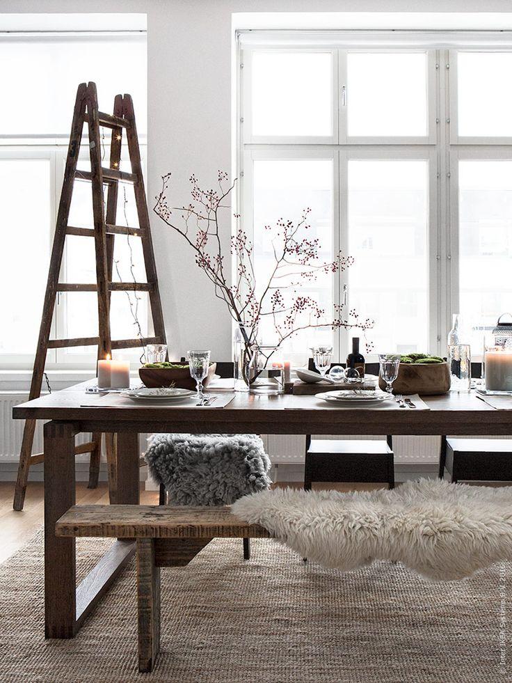 IKEA Deutschland | MÖRBYLÅNGA Esstisch mit NORRÅKER Stühlen auf einem LOHALS Teppich. Gedeckt mit VARDAGEN Tellern und POKAL Weingläsern. http://www.ikea.com/de/de/catalog/products/20293766/ #Esstisch #Esszimmer