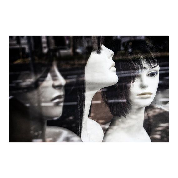 Window shopping / Fine art photography / Street photo / Wall decor print