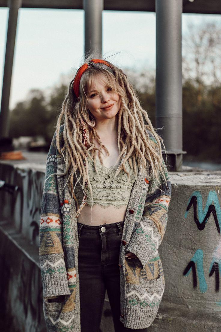#smile #Hippie #soul #dreadlocks | Rasta girl, Dreads girl, Dreads styles