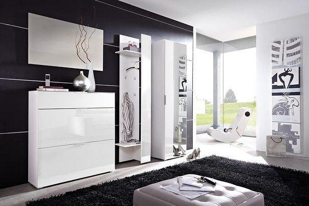 Flur Garderobe in weiß hochglanz #deko #dekoration #dekorationsidee #home-decor #decor #interieur #exterieur