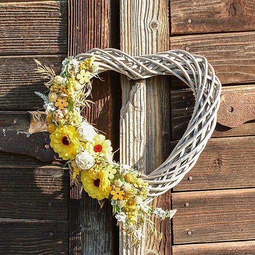 Hydrangea / Srdce na dvere so žltou cíniou