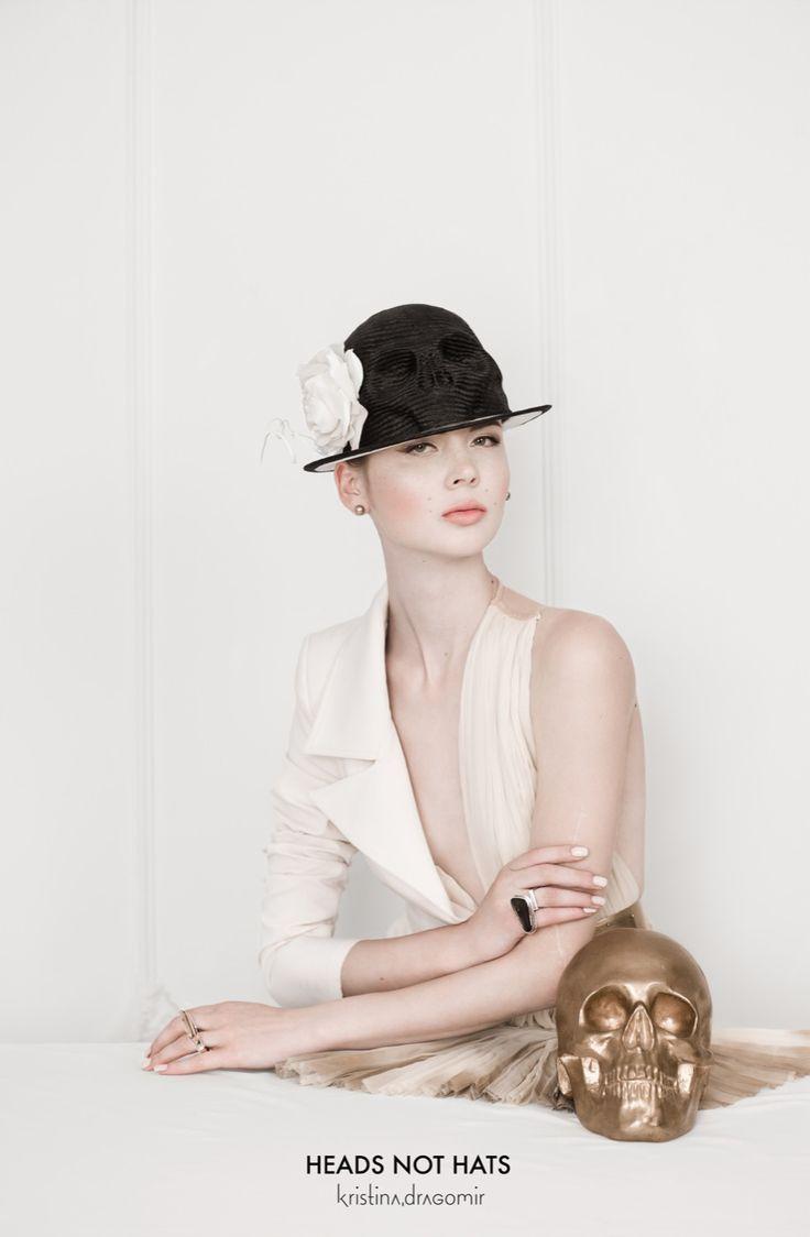 Photo: Iulian Nan Styling: Marian Palie/www.marianpalie.ro Make-up: Elisabeta Facaianu Hair: Andreea Dumitrescu Model: Mihaela/Mandarina Models www.kristinadragomir.com