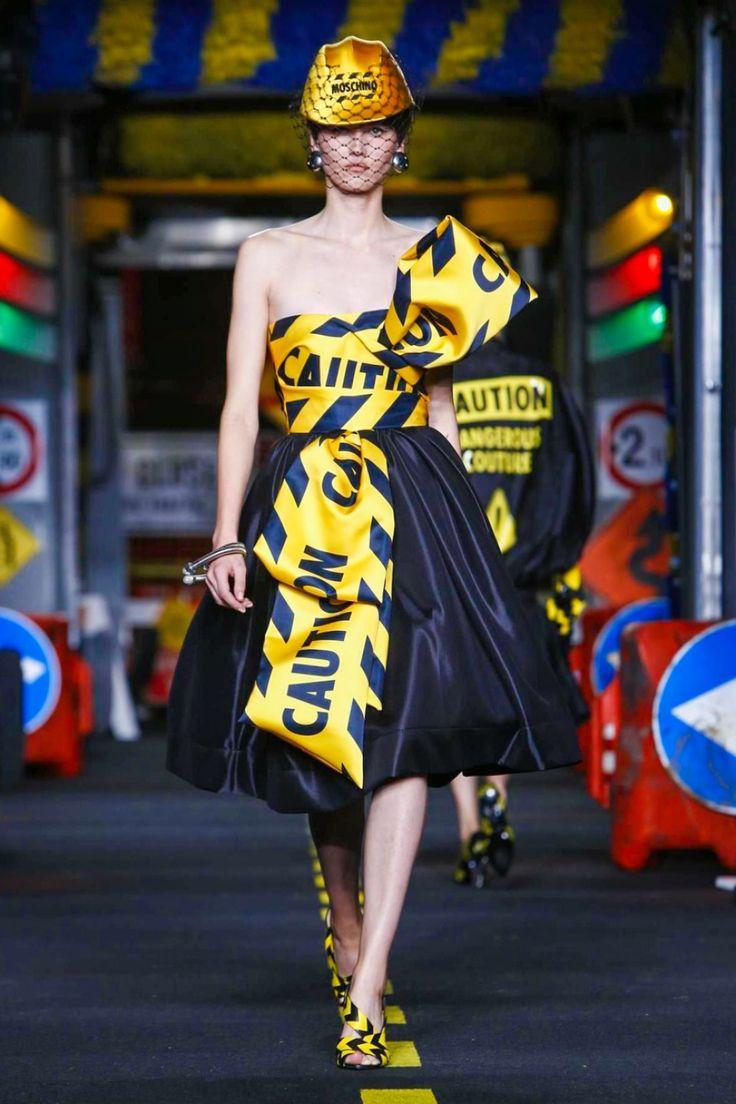 Moschino S/S 2016 -Milan Fashion Week