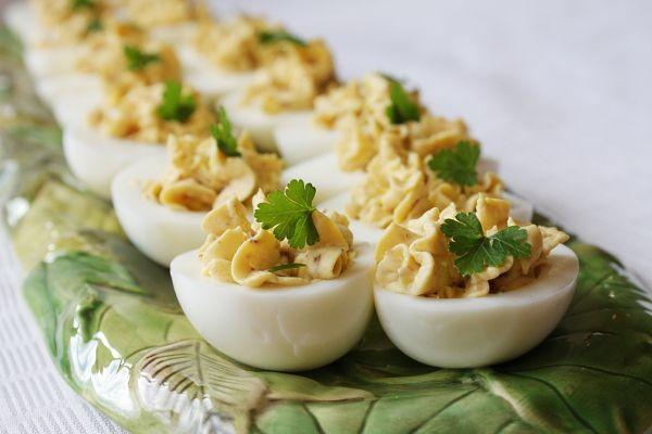 Bacon – balsamic deviled eggs