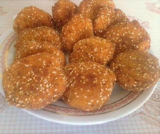Egy finom Cukkinifasírt sajtosan ebédre vagy vacsorára? Cukkinifasírt sajtosan Receptek a Mindmegette.hu Recept gyűjteményében!