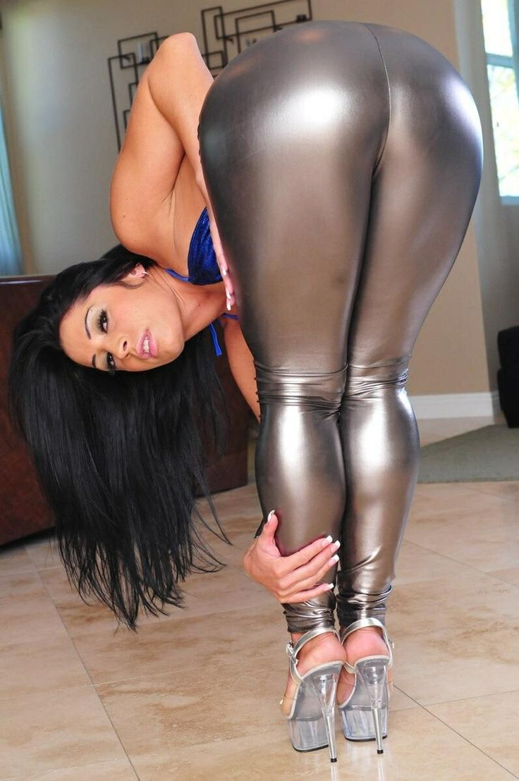 hot girl spandex pussy