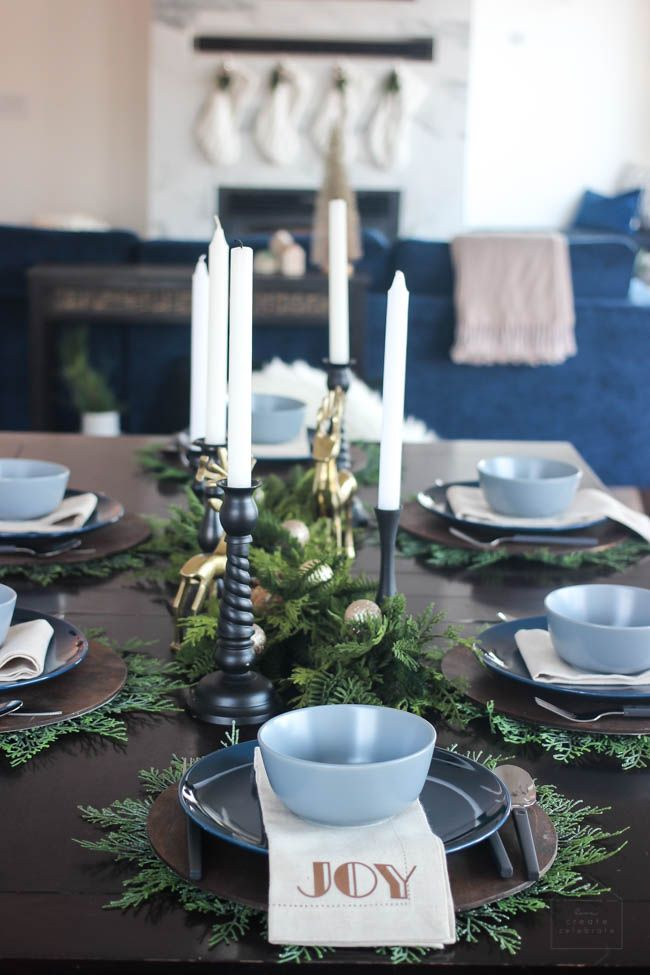 A Simple And Elegant Christmas Dining Room Love Create Celebrate Christmas Dining Room Christmas Dining Modern Table Setting