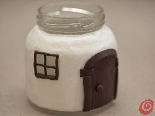 Diy Projects: Glass Jar Mushroom House