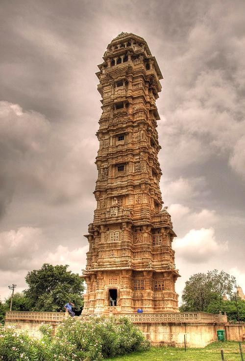 Tower of Victory in Chittorgarh Fort, Rajasthan http://yhoo.it/V08MiJ
