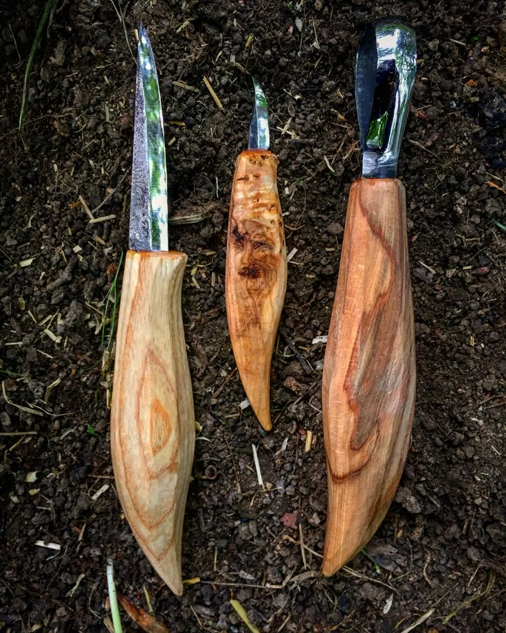Asides from my Bushcraft knife, Bahco saw and Gransfors axe, these are the other three carving tools I take on most of my trips #bushcraft #outdoors #photooftheday #survival #woods #woodland #forest #wilderness #nature #handmade #edc #camping #hiking #bac