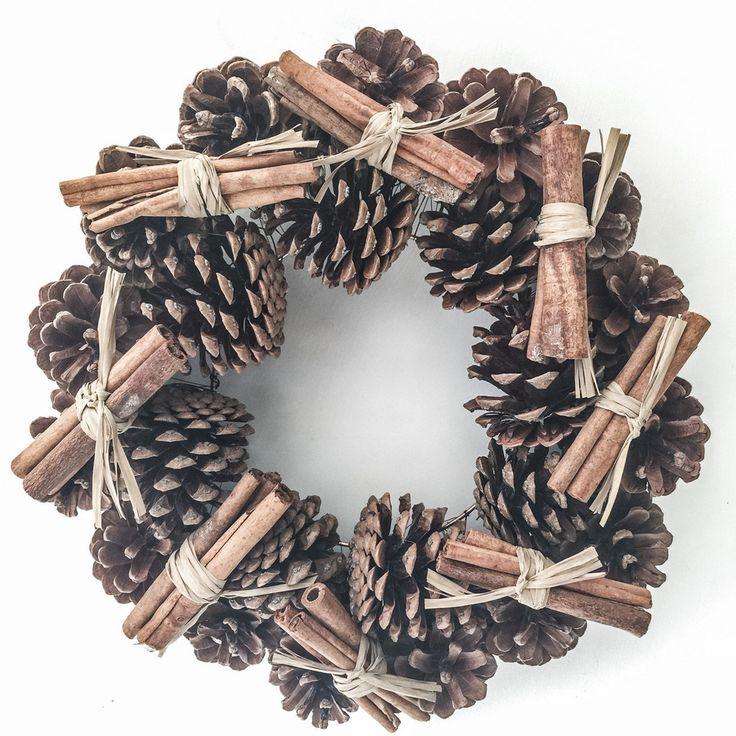 Small Pine Cone Wreath with Cinnamon Sticks