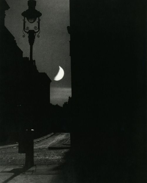 Bill Brandt: The Adelphi, 1939. From The Photography of Bill Brandt. Thank you, liquidnight.