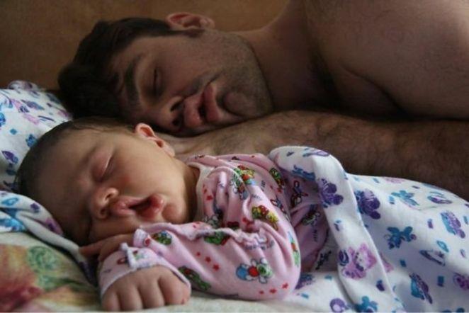 Vaiko priežiūros atostogas pasiėmęs vyras: vaikas badu nenumirs ir su tėčiu