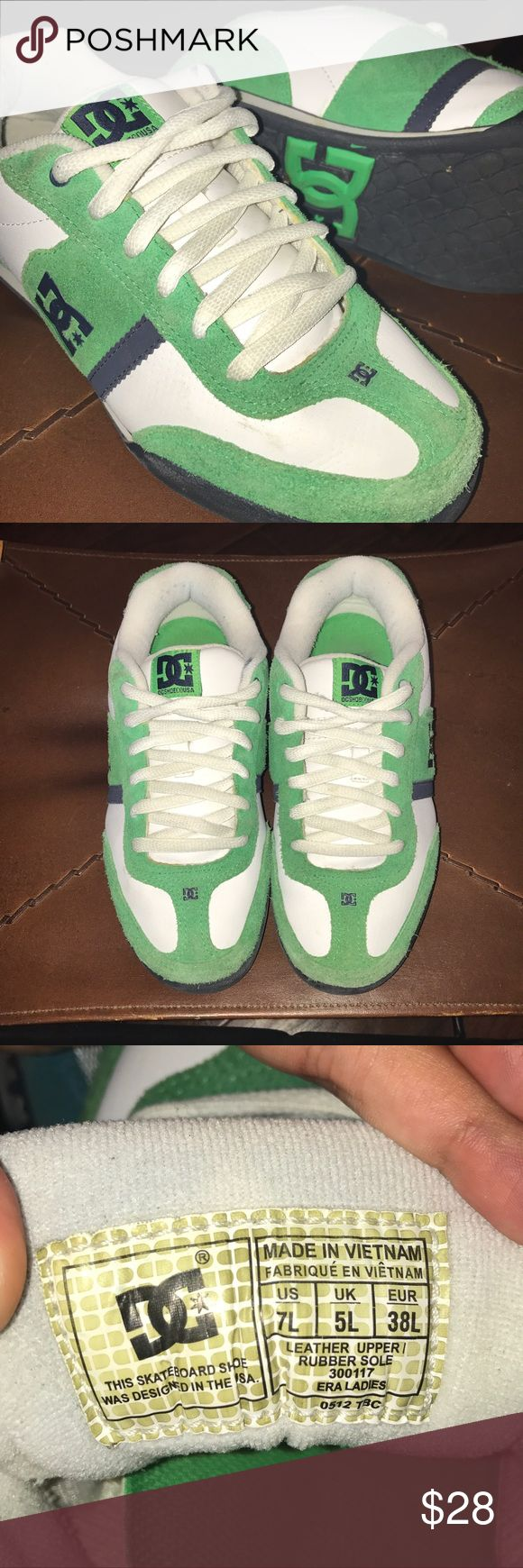 Green & white Era DC skate shoes (DC Shoe Co USA) Real leather upper, rubber sole, cushioned tongue for more protection while skateboarding. Designed in the USA. Size 5 UK, 7 US in Women's. DC Shoes Sneakers