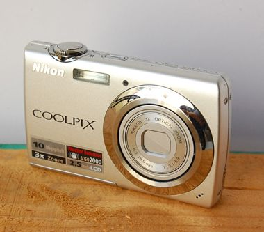 2009 NIKON COOLPIX S225