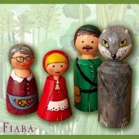 """""""Rotkäppchen und der Wolf""""....Spielfiguren aus Holz  http://fiaba.de/rotkappchen-und-der-wolf-holzfiguren-set/"""