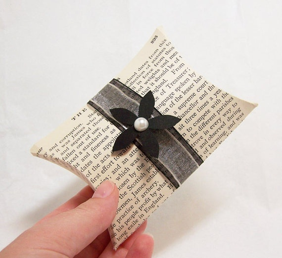 Items similar to 5 Vintage Book Page Pillow Boxes -DIY KIT -Wedding Decoration -Black and White Wedding -DIY Wedding Accessory -Wedding Gift Accessory on ... & 53 best pillow box ideas images on Pinterest | Pillow box Boxes ... pillowsntoast.com