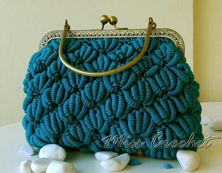 Crochet vintage purse
