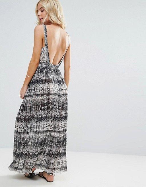Robe longue de plage monochrome avec jupe plissée à imprimé serpent.