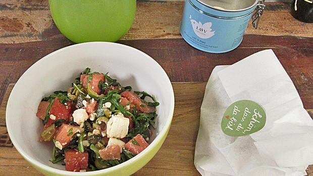 Rezept: Wassermelonensalat an Blumenkohl-Mandel-Falafel