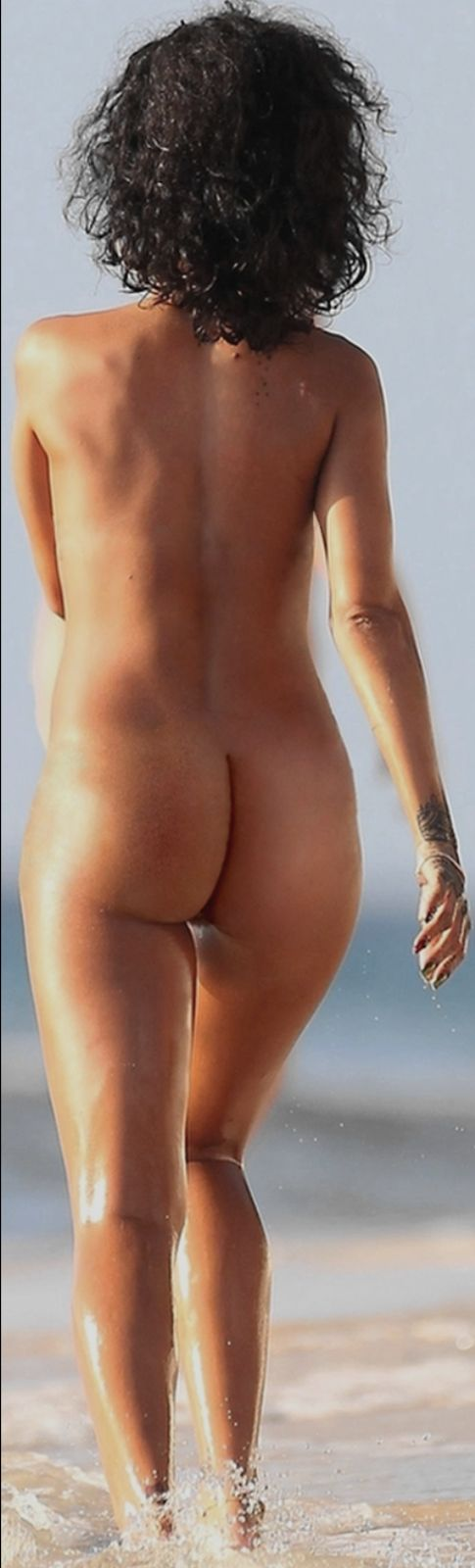 Rihanna ass nude