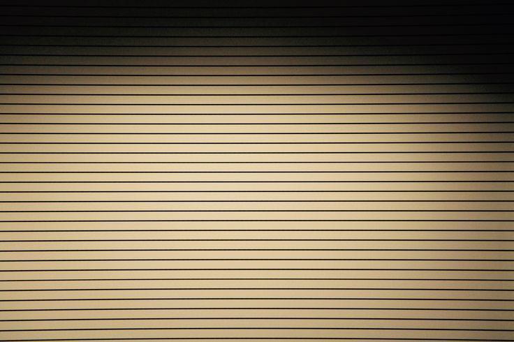 Deze horizontale lijnen lopen evenwijdig met elkaar. Dit is dus een statische compositie.