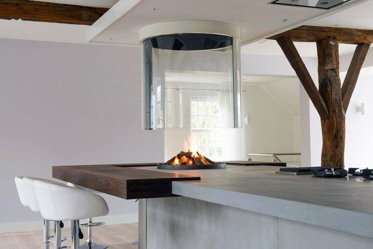 Keuken JP Walker met werkblad van beton en Boley hangende glashaard 186 - UW-haard.nl